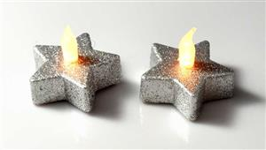 LED čajová svíčka stříbrná vánoční hvězda 2 kusy teplé plápolající světlo 5,7*5,7 v. 4,5 cm
