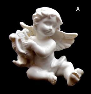 Andělíček hrající na hudební nástroj lyra 6x5,5x5 cm soška anděla bílý polyresin